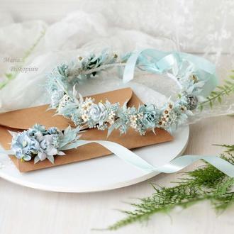 Набор украшений;венок и бутоньерка в голубом цвете из сухоцветов.