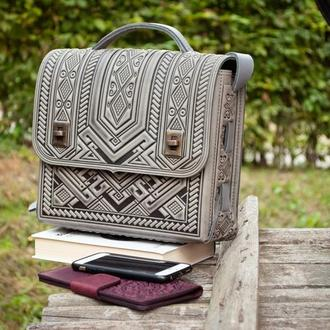 Вместительная кожаная сумка-портфель с тиснением серая, сумка под планшет, деловая сумка