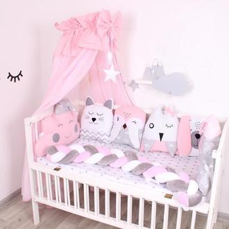 Комплект в кроватку с балдахином в Розово-сером цвете