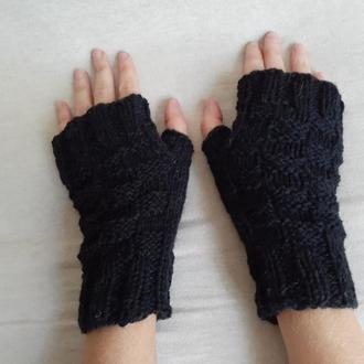 Черные вязаные шерстяные перчатки митенки. Теплые варежки без пальцев. Подарок девушке.