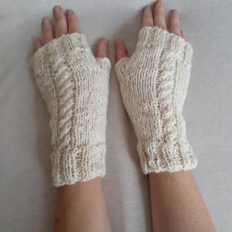 Белые вязаные перчатки митенки из шерсти. Варежки без пальцев на зиму. Подарок девушке.