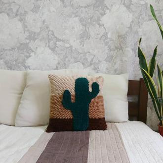 Вязаная подушка Кактус