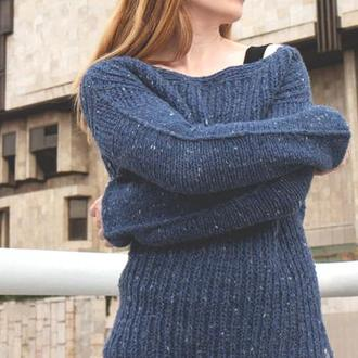 Синий шерстяной свитер крупной вязки