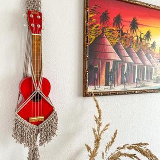 Кашпо-подвес для укулеле (гавайская гитара)