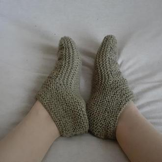 Короткие вязаные шерстяные носки. Пинетки для взрослых. Теплые тапочки вязаные спицами р37-40