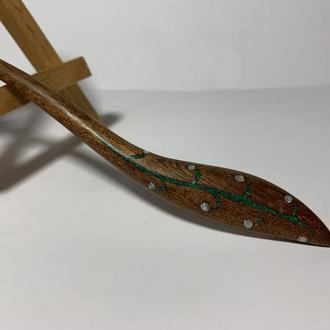 Шпилька заколка деревянная для волос с инкрустацией камня малахит и перламутр