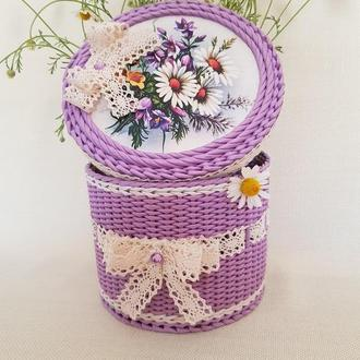 """Плетеная шкатулка из бумажной лозы"""" Полевые цветы""""."""
