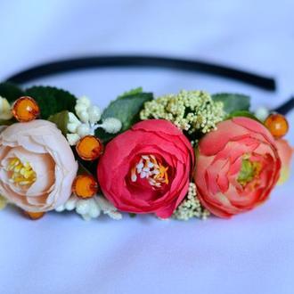 Ободок на голову из искусственных цветов №23