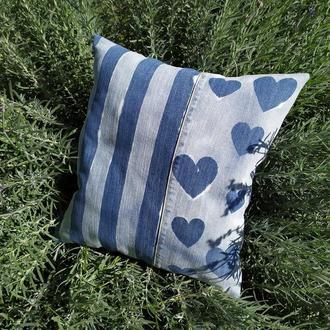 Джинсова подушка з витравленим малюнком