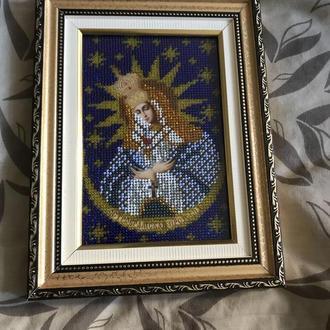 Икона Остробрамская Пресвятая Богородица вышита чешским бисером