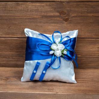 Подушечка для колец с розочками синяя