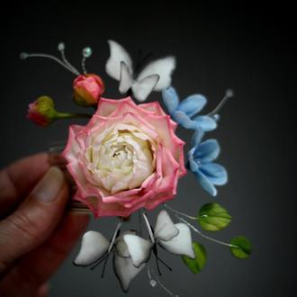 Гребень с цветами и бабочками.