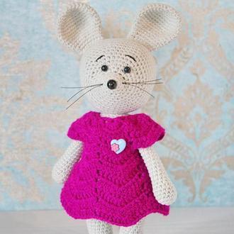 Мягкая вязаная игрушка Мышка. Подарок на 1-й год внучке. Талисман-игрушка рожденному в 2020 г.