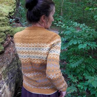 Женский свитер с жаккардовым узором