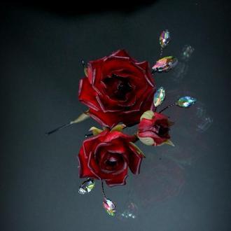 Набор шпилек с розами.