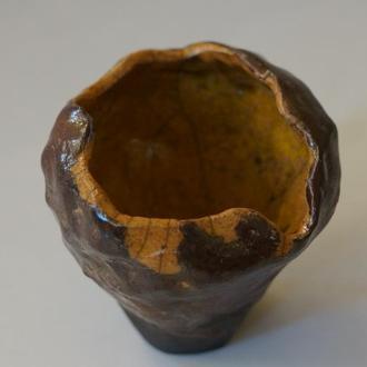 Керамическая ваза в технике раку
