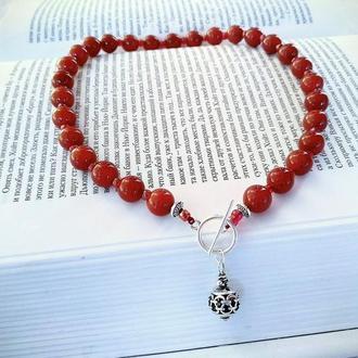 Маленькое Красное Ожерелье Чокер из Сердолика с бисером и фурнитурой в Тибетском стиле