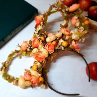 Оранжево-желтый ободок  с цветами и ягодами