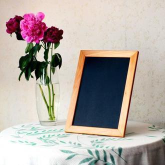 Черная меловая доска в деревянной рамке, стенд для кафе для меню для свадьбы для надписей мелом