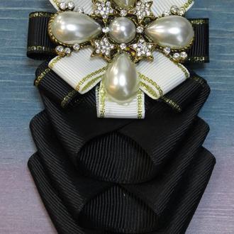 Брошь-орден с галстучком