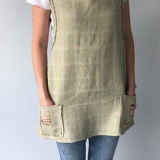 Льняной фартук-сарафан с вышивкой