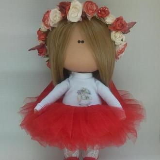 Інтер'єрна лялька з віночком