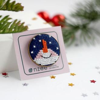 Брошь с вышивкой / Брошь снеговик / Новогодняя брошь
