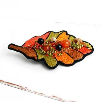 Осенняя брошь лист Оранжевая брошь с камнями Яркая брошь на шарф, палантин, шапку