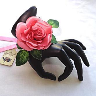 """Цветочный браслет на руку из ткани  """"Лососевая роза"""""""