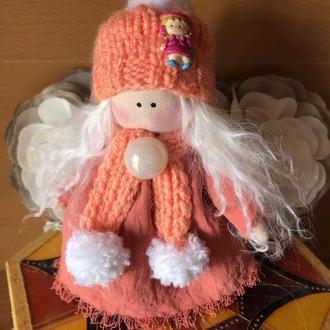 Текстильная кукла-брелок