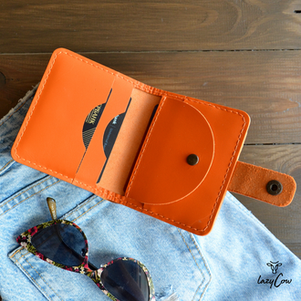 Женский кошелек из натуральной кожи оранжевого цвета с отделением для монет