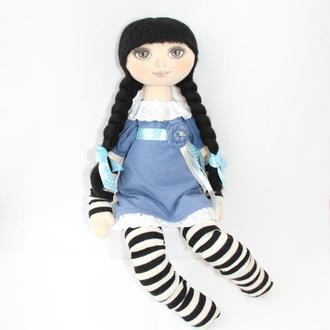 Игровая текстильная кукла с косичками в платье и полосатых чулках