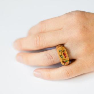 """Женская печатка из дерева с росписью """"Перчик"""" / Жіночий перстень з дерева з розписом """"Перчик"""""""