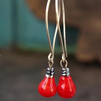 Красные серьги длинные серебряные лэмпворк, оригинальные серьги красные лампочки из серебра