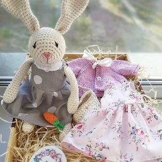 Зайка Тильда в платье, кардигане с сумочкой и морковкой