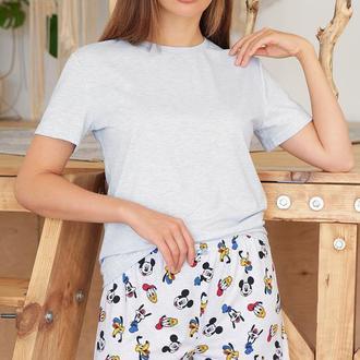 Женская веселая пижама с шортами Микки Маус