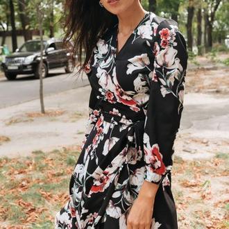 Яркое шифоновое платье в цветочный принт