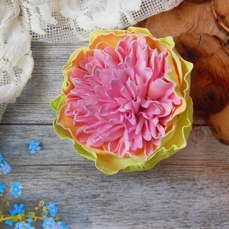 Брошка заколка квітка пеонія рожево салатова