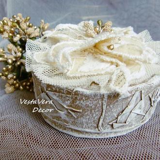 Шкатулка для свадебных колец с цветком. Оригинальный дизайн.
