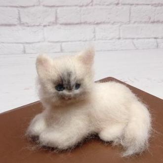 Портрет кішки. Іграшка кіт. Копія кота. Копія кішки. Кіт. Кішка