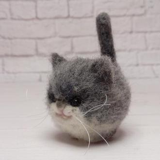 Серый кот. Игрушка кот. Котик. Кошка