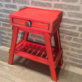 Столик в винтажном стиле