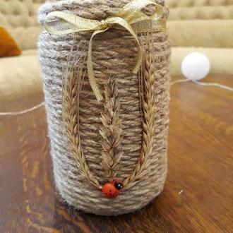 Ваза стекляная из джутовой нитки