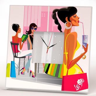 """Часы настенные или настольные с фотопечатью """"Модница"""" для дома, спальни, квартиры, офиса"""