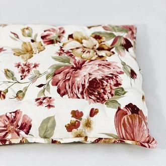 Подушка на стул. Квадратная подушка. Мягкое сиденье.