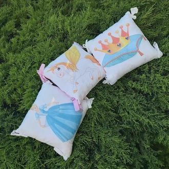 Бортики в кроватку, декоративная подушка