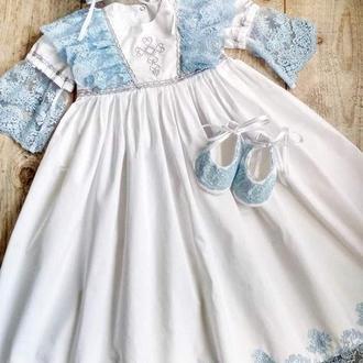 Крестильное платье с шикарным кружевом блюмарин, чепчик, пинетки и колготки на 6-9 мес.