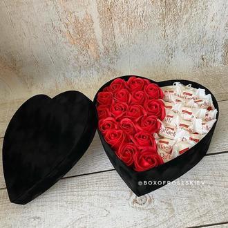 Букет из мыльных роз с конфетами рафаелло