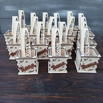 Деревянный именной стаканчик для карандашей, именная линейка, подарок школьнику, подарок на класс