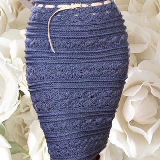 Шерстяная вязаная серая юбка миди